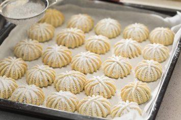 עוגיות מעמול במילוי תמרים ואגוזים