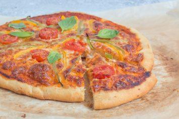 פיצה ביתית כמו במסעדה