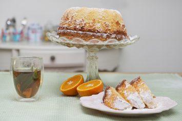 עוגת תפוזים רכה שמכינים בקערה אחת של קרין גורן