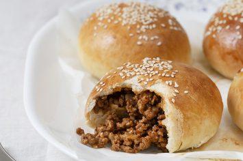לחמניות ממולאות בשר של יונית צוקרמן