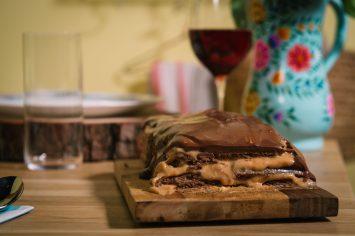 עוגת צ'וקולינס - שכבות ביסקוויטים עם ריבת חלב
