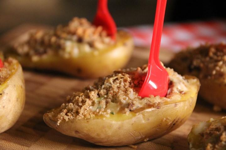 תפוחי אדמה בתנור במילוי גבינות ופטריות. צילום-ואדים-טיוטיונין-2