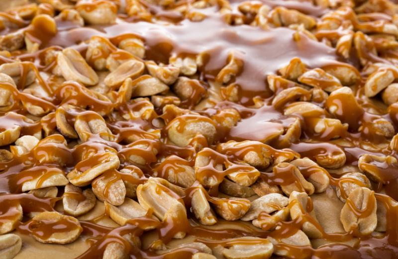 אגוזים בציפוי קראנצ`י מתוק. צילום: שאטרסטוק