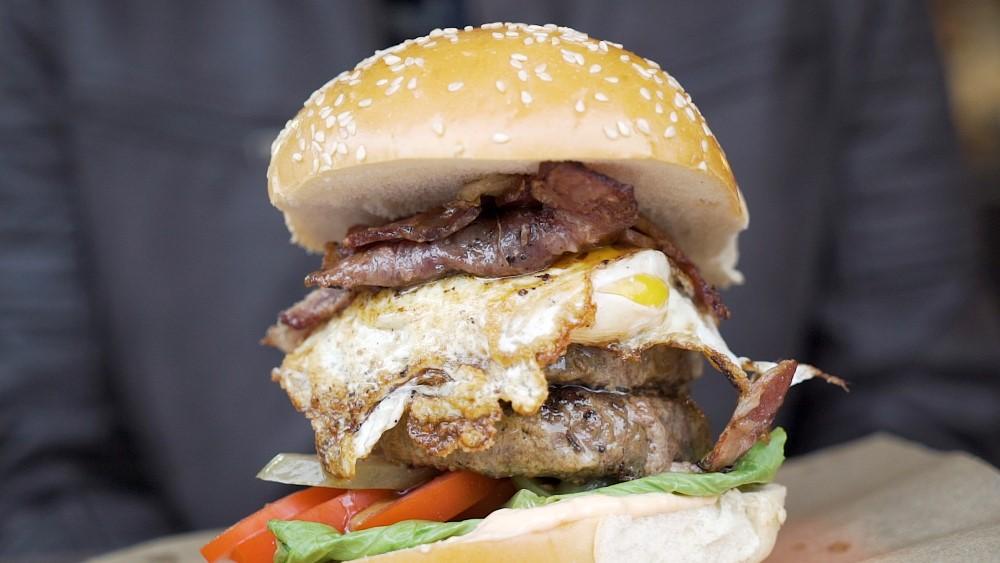 המבורגר, ברבאטוב. צילום: מיכאל מורוזוב