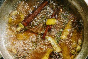 סירופ דבש ותבילינים. צילום: טל סיון-ציפורין