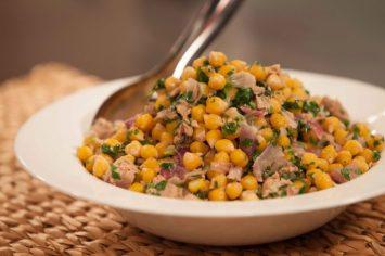 תבשיל גרגירי חומוס וטונה שמכינים ב-10 דקות