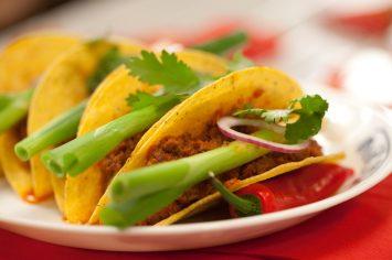 צ'ילי קון קרנה - תבשיל בשר מקסיקני מהיר הכנה