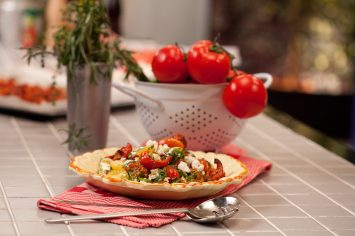 סלט עגבניות צלויות וגבינת פטה
