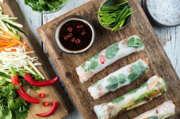 ספרינג רולז במילוי ירקות ועוף