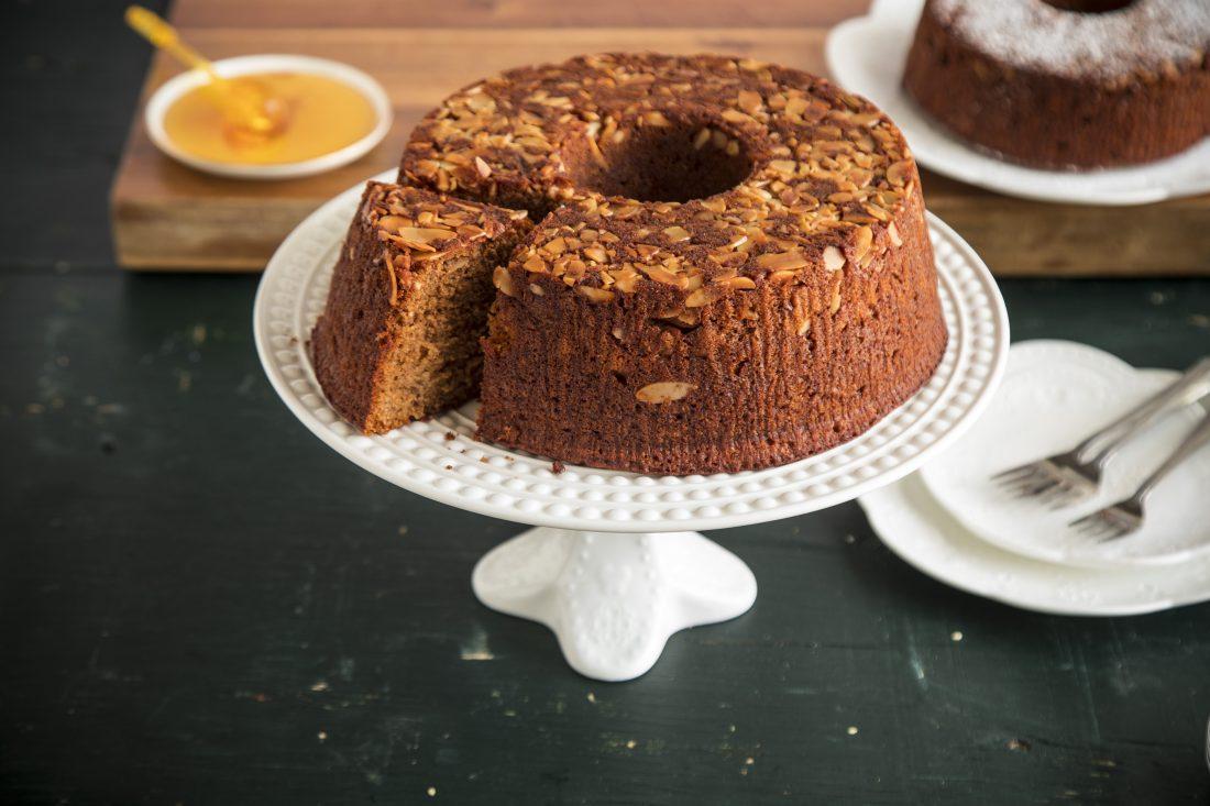 עוגת דבש גבוהה וחגיגית