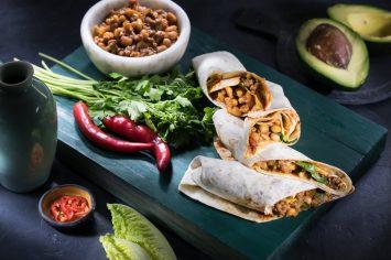 צ'ילי קון קרנה - תבשיל בשר מקסיקני בטורטיות