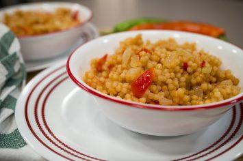 הכי בצ'יק – פתיתים אדומים עם בצל, עגבניות ופלפלים