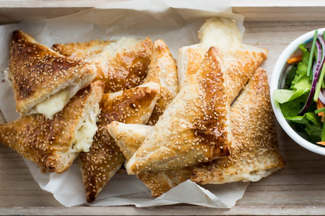 מגש בורקס גבינות של אמא