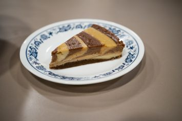 עוגת גבינה, חמאת בוטנים ושוקולד