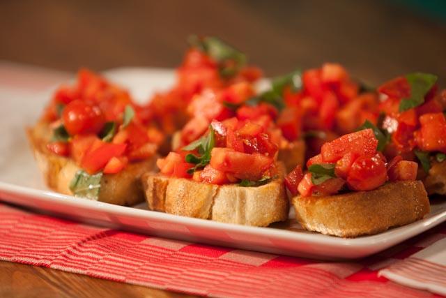 ברוסקטה עם עגבניות. צילום: נועם פריסמן