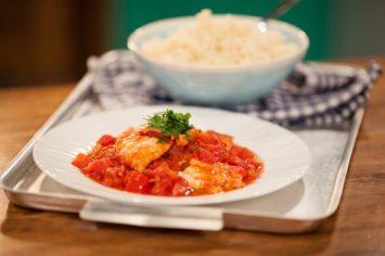 דגים ברוטב עגבניות חריף של ישראל אהרוני