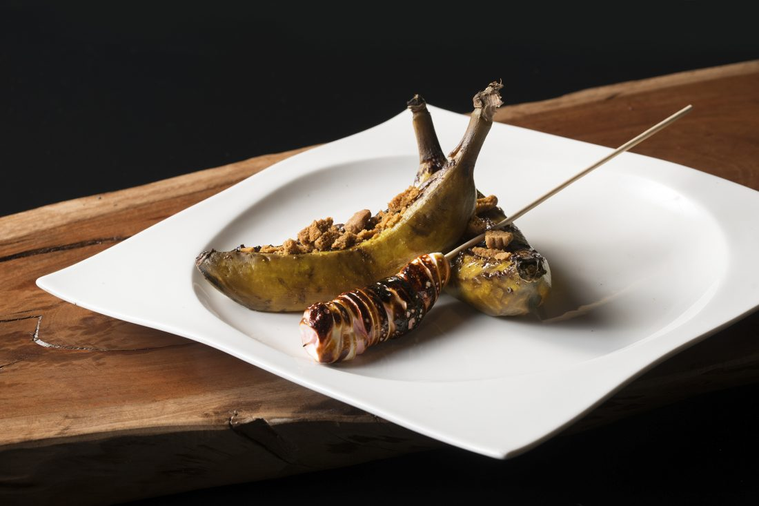סירות בננה ממולאות בנוטלה ביתית ושיפוד מרשמלו