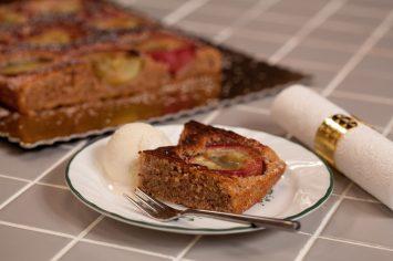 עוגת אפרסקים ונקטרינות לעונה החמה