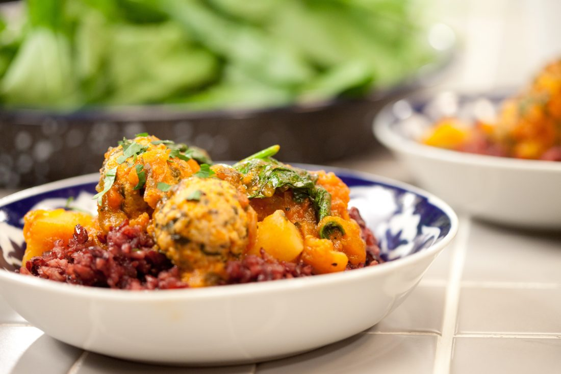 כדורי הודו וירקות ברוטב דלעת ועגבניות