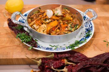 תבשיל מוח מרוקאי עם פלפלים ולימונים