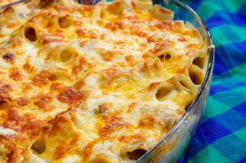 מאק אנד צ'יז – מאפה פסטה מושחת עם גבינות ופטריות של אהרוני