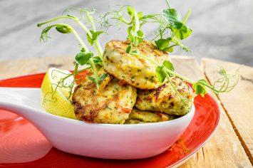 שגב מבשל לכם בבית קציצות עוף חריפות עם תירס