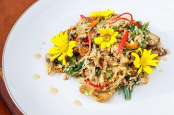 אורז מוקפץ עם ירקות בסגנון תאילנדי