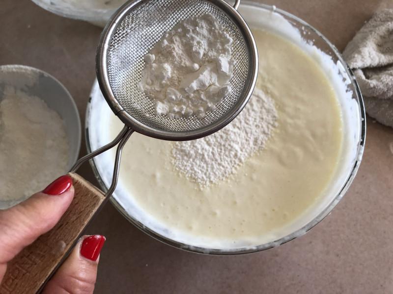 עוגת גבינה ותותים. צילום: יהודית מורחיים