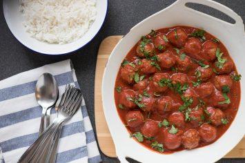 באות בטוב! קציצות בשר ברוטב עגבניות