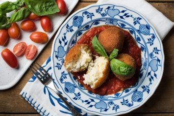 ארנצ'יני – כדורי אורז מטוגנים במילוי גבינות
