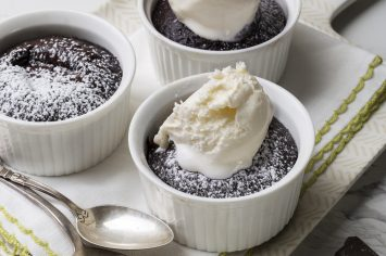 עוגת שוקולד קפה חמה בתבניות אישיות