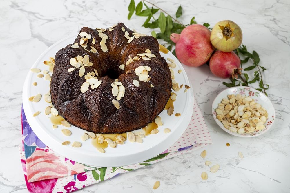עוגת דבש וקפה לראש השנה מתוק במיוחד. צילום: שני הלוי