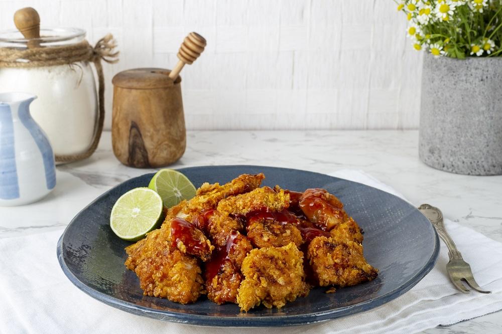 פופקורן עוף – נגיסי עוף פריכים בדבש. צילום: שני הלוי