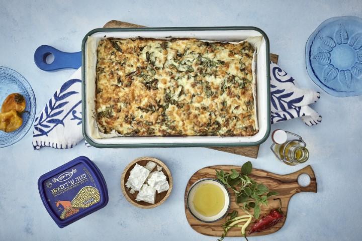 פשטידת מצות עם גבינות ומנגולד לחג הפסח. צילום: אפיק גבאי