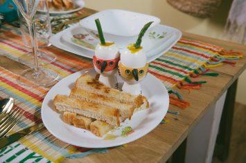 ביצים רכות עם אצבעות לחם קלוי ואספרגוס