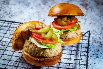 המבורגר עוף עסיסי לילדים בנינג'ה פודי
