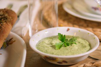 טחינה ירוקה שמכינים ב-5 דקות