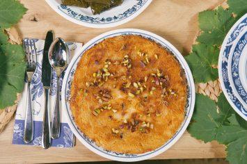 כנאפה – מאפה מתוק של שערות קדאיף במילוי גבינה