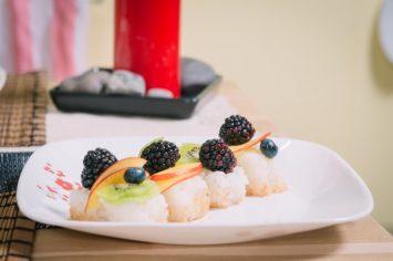 סושי מתוק עם פירות של שי-לי ליפא