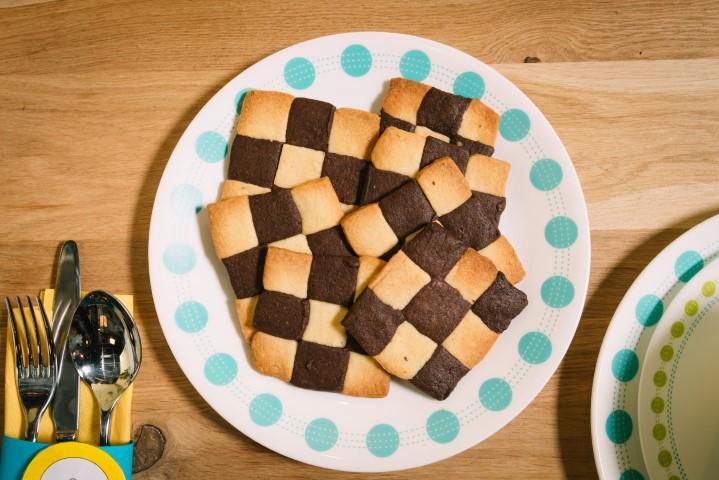 עוגיות שחמט - עוגיות חמאה בשני צבעים