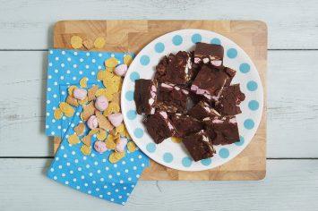 רוקי רואד - ממתק שוקולד עם מרשמלו וקורנפלקס