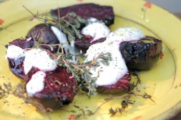 סלקים צלויים בתנור עם יוגורט ותימין