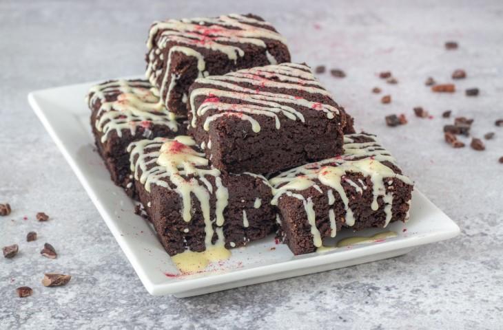 בראוניז שוקולד רכים ללא גלוטן. צילום: אולגה טוכשר