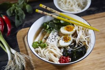 חורף יפני: מרק ראמן בגרסה מהירה וזריזה