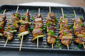 שיפודי עוף ברוטב טריאקי עם אורז