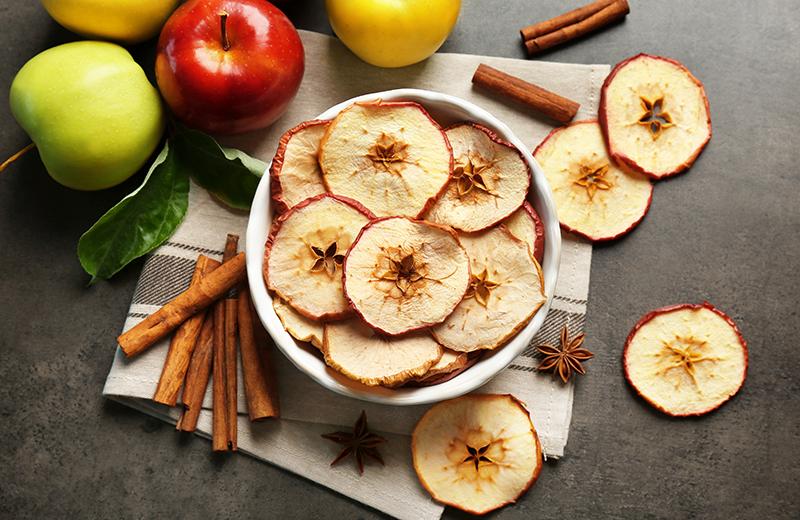 תפוצ'יפס תפוחי עץ. צילום: שאטרסטוק