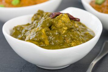 פאלאק פאניר - תבשיל הודי מסורתי של תרד וגבינה