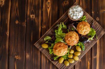 מוזמנים לארוחת ערב אצל קרין גורן - מאפינס קוטג' עם זיתים וגבינת עיזים