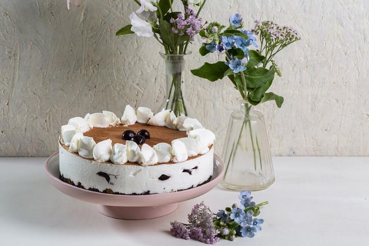 עוגת גבינה היער השחור של ביסקוטי. צילום: בועז לביא