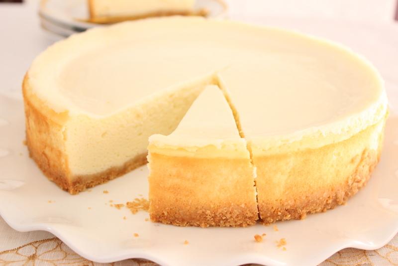 עוגת גבינה אפויה בקלי קלות. צילום: יהודית מורחיים